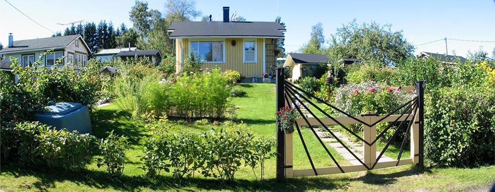 Jyväskylän Sulkurannan siirtolapuutarhaa vuonna 2005. Kuva:Heikki Veijola / Keski-Suomen museo.