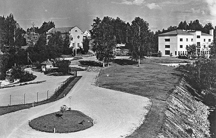 Kankaan paperitehtaan aluetta 1950-luvulla. Kuva: E.M. Staf / Keski-Suomen museo.
